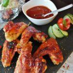 3 pomysły na marynatę do skrzydełek (z piekarnika lub grilla)
