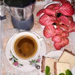 Dobra kawa i… coś słodkiego. 3 pyszne propozycje + przepis na syrop piernikowy.