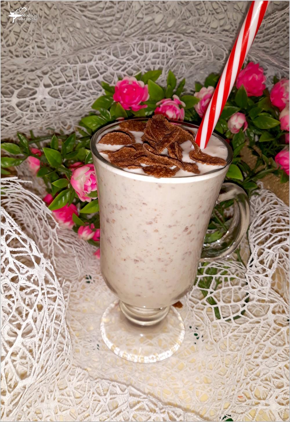 Kokosowy koktajl w czekoladowe kropki (1)