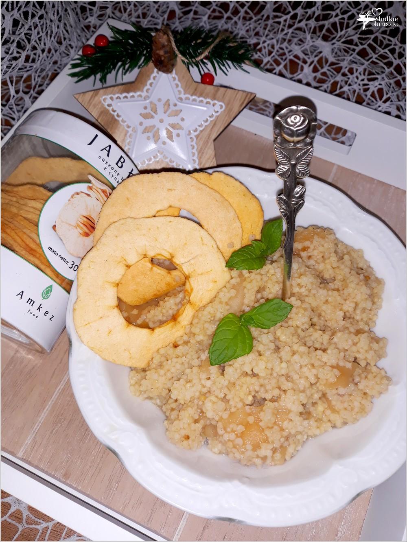 Korzenno-miodowa kasza jaglana z suszonymi jabłuszkami (2)