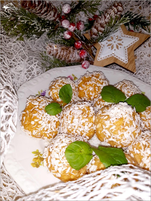 Orzechowe kartofelki z kokosową nutą. Deser w kilka chwil (1)