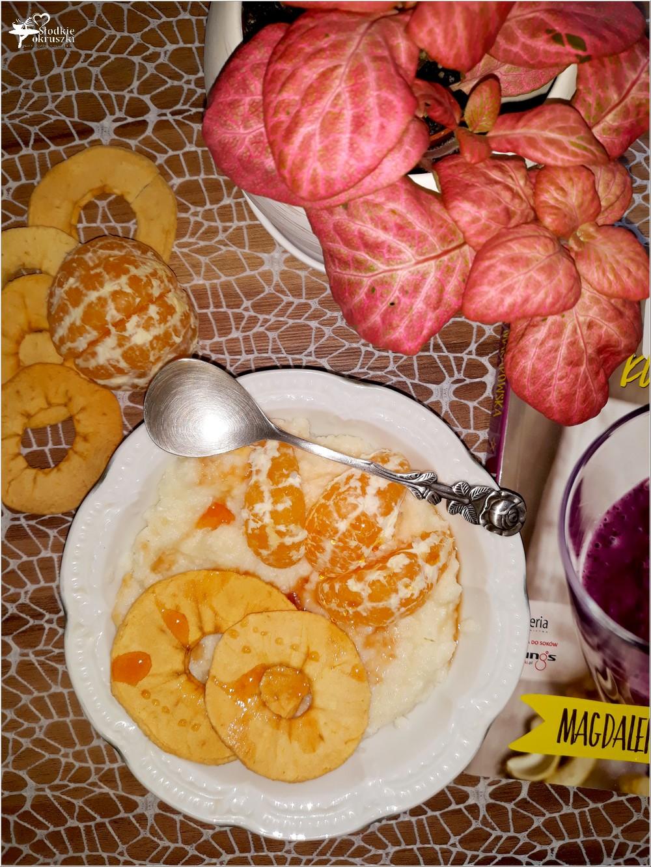 Pudding ryżowy z cynamonowym jabłuszkiem i mandarynkami (1)
