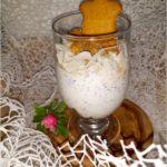 Szybki deser z chia i korzennymi ciasteczkami