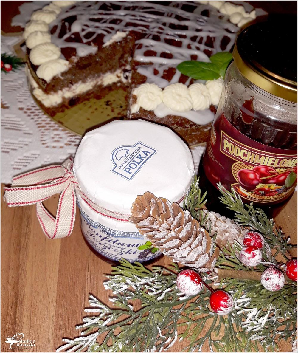 Świąteczny piernikowy tort z cytrynowym kremem i wisienkami (2)