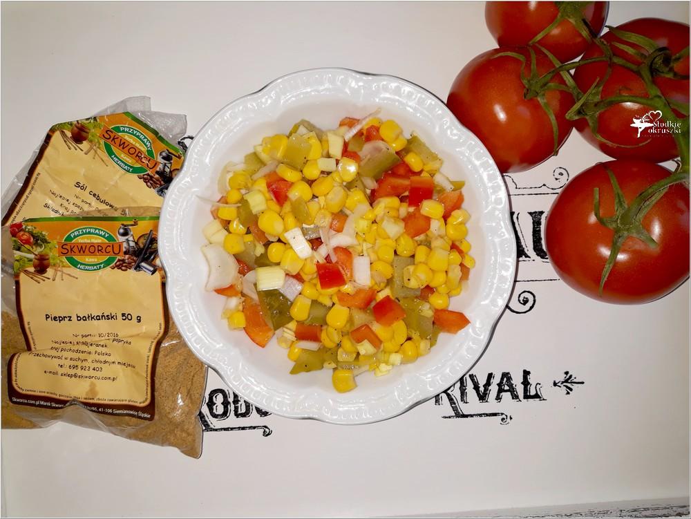 Ekspresowa surówka obiadowa (z kukurydzą, ogórkiem) (2)
