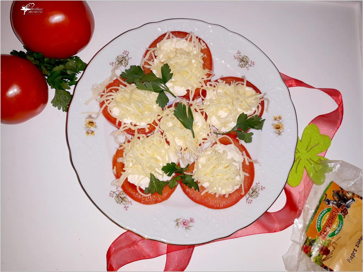 Imprezowa przekąska. Pomidorki z serem i sosem czosnkowo-ziołowym (2)
