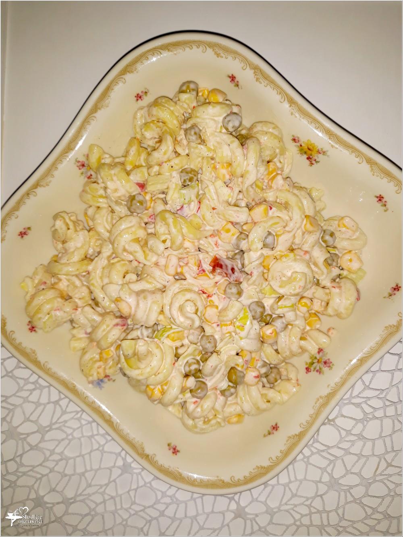 Imprezowa sałatka makaronowa z serem i mieszanką meksykańską (1)