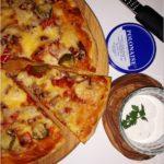 Prosta sylwestrowa pizza i szybki sos chrzanowy