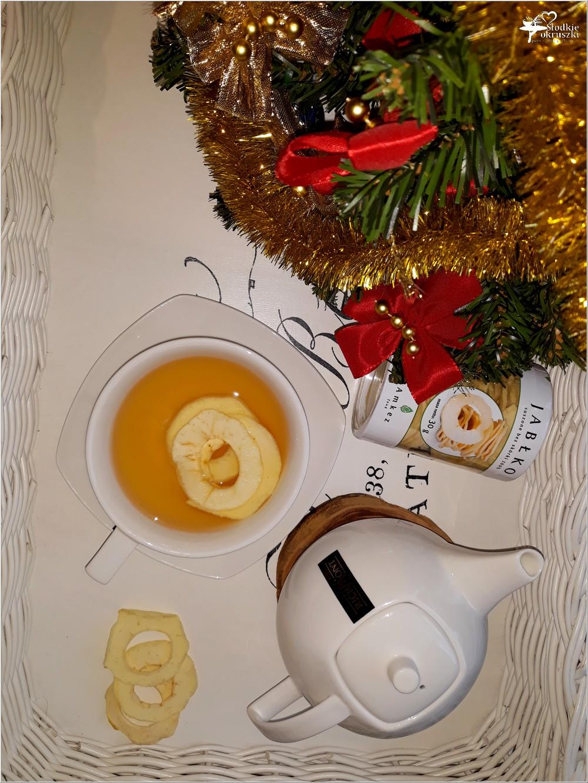 Rozgrzewająca herbata z imbirem i suszonymi jabłkami (1)