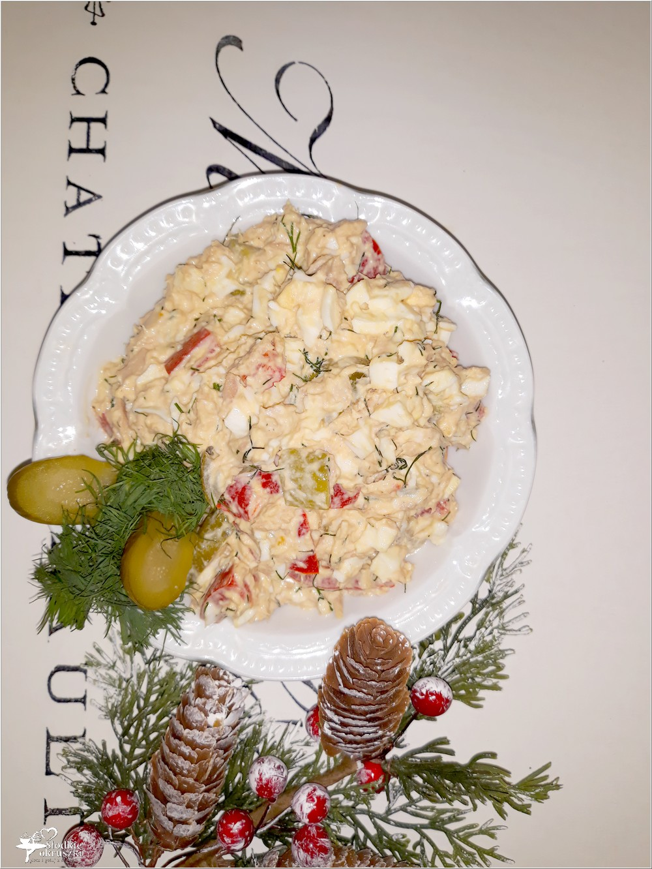 Sałatka z tuńczykiem, marynowaną papryką i ogórkami (3)