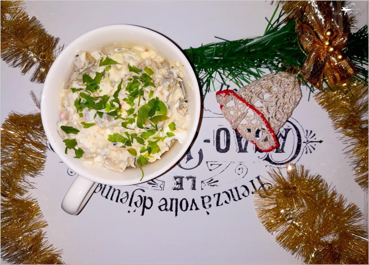 Ziemniaczana sałatka ze śledziem i czarnuszką (4)