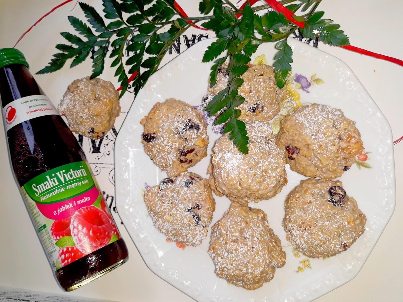 Owsiane ciasteczka na soku jabłkowo-malinowym Cymes