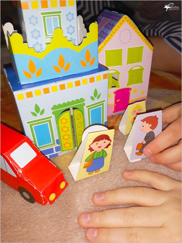 Buduj z papieru miasteczko. Wspaniała zabawa bez kleju i nożyczek (5)
