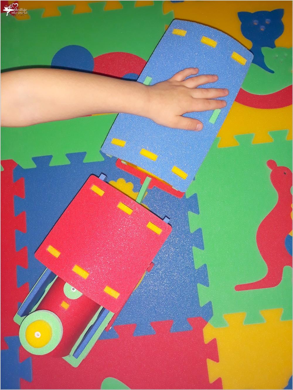 Kolorowe i bezpieczne zabawki dla najmłodszych (z pianki polietylenowej) (2)