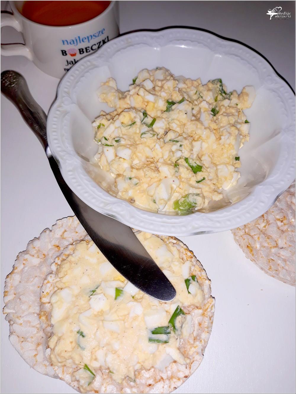 Lekka pasta z czosnkiem na waflach ryżowych (3)