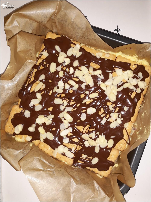 Szybkie ciasto karpatkowo-jagodowe. Prosty deser bez pieczenia (3)