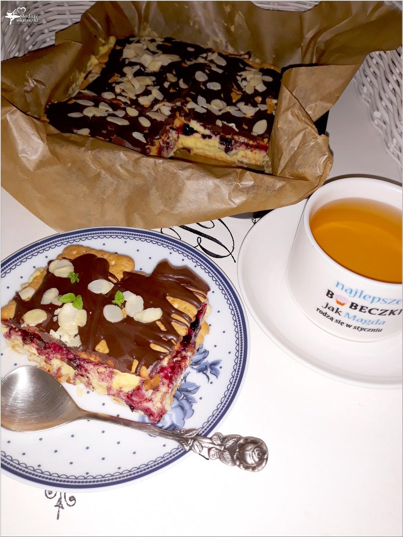 Szybkie ciasto karpatkowo-jagodowe. Prosty deser bez pieczenia (4)