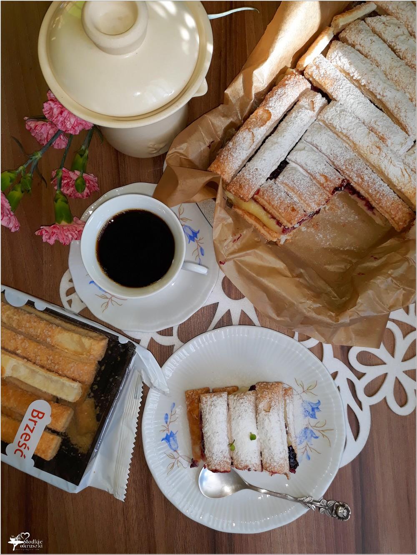 Francuskie ciasto budyniowe z konfiturą porzeczkową (1)