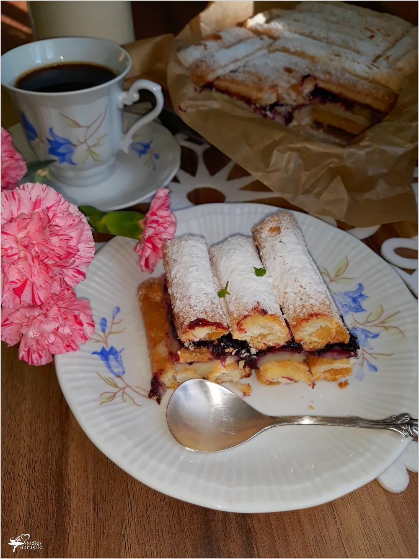 Francuskie ciasto budyniowe z konfiturą porzeczkową (3)