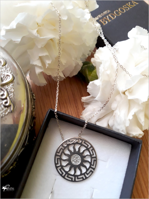 Piękno, szyk, elegancja. Biżuteria ze sklepu jubilerskiego Skarbiec Srebra (część Mennicy Bydgoskiej) (3)
