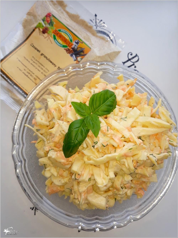 Pyszna surówka obiadowa z białej kapusty z koperkiem, marchewką i majonezem (2)