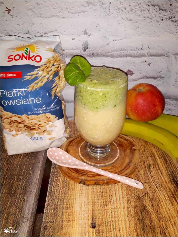 Dwukolorowe smoothie z płatkami owsianymi, szpinakiem i ananasem (3)