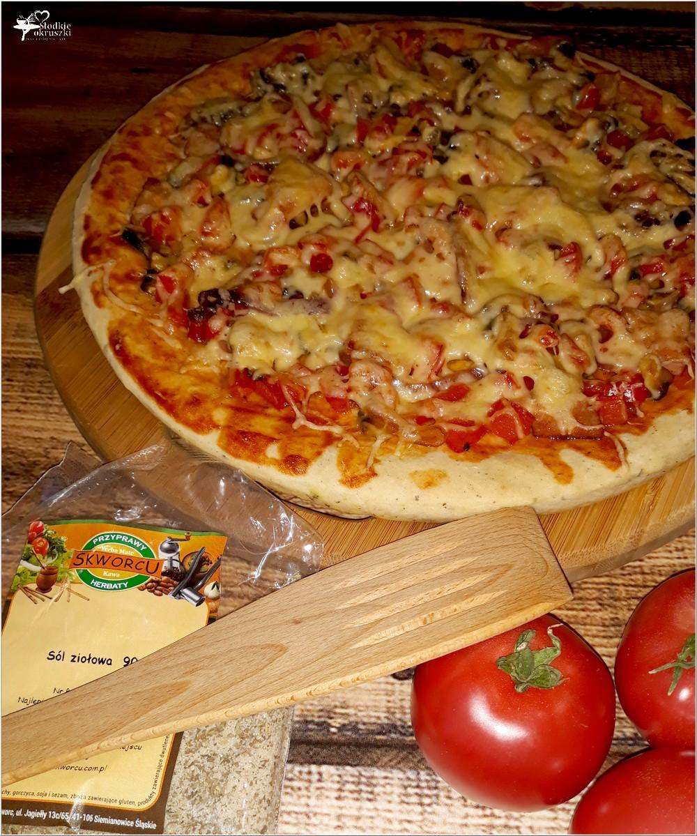 Pyszna domowa pizza na suchych drożdżach