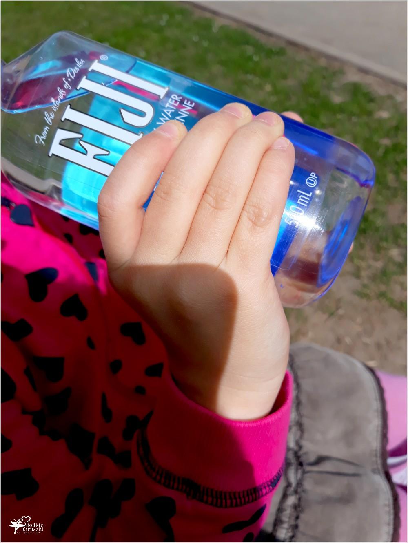 Woda fiji, to wyjątkowa woda którą pokochały moje dzieci piją ją każdego dnia
