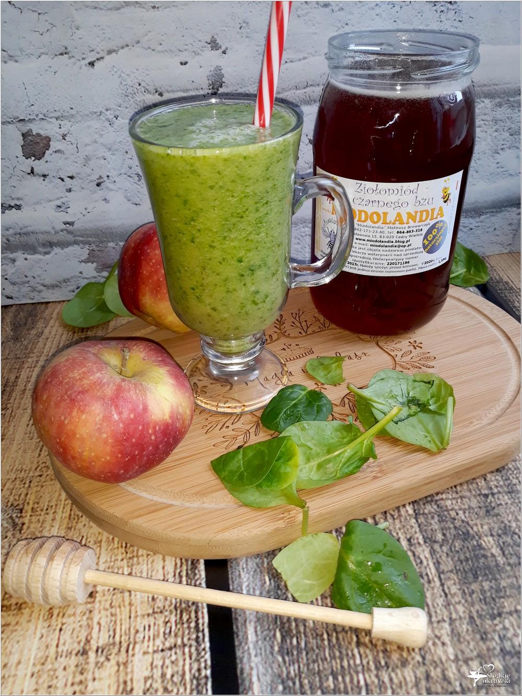 Zdrowe smoothie z gruszką, szpinakiem i ziołomiodem z czarnego bzu (3)