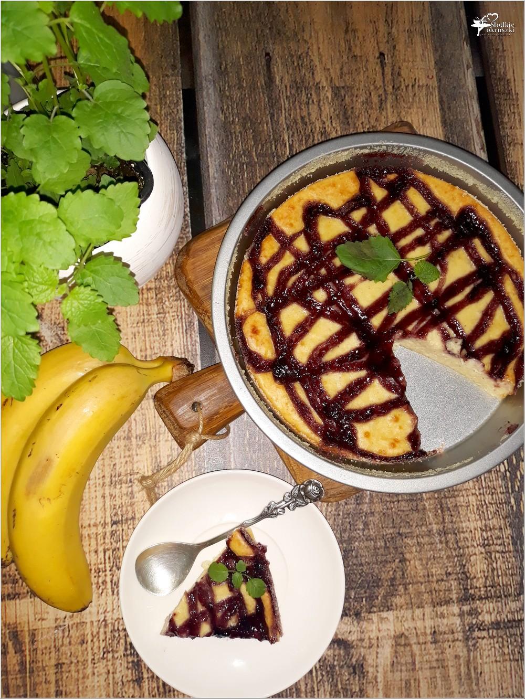 Bananowy sernik z jagodową polewą (na twarogu) (6)