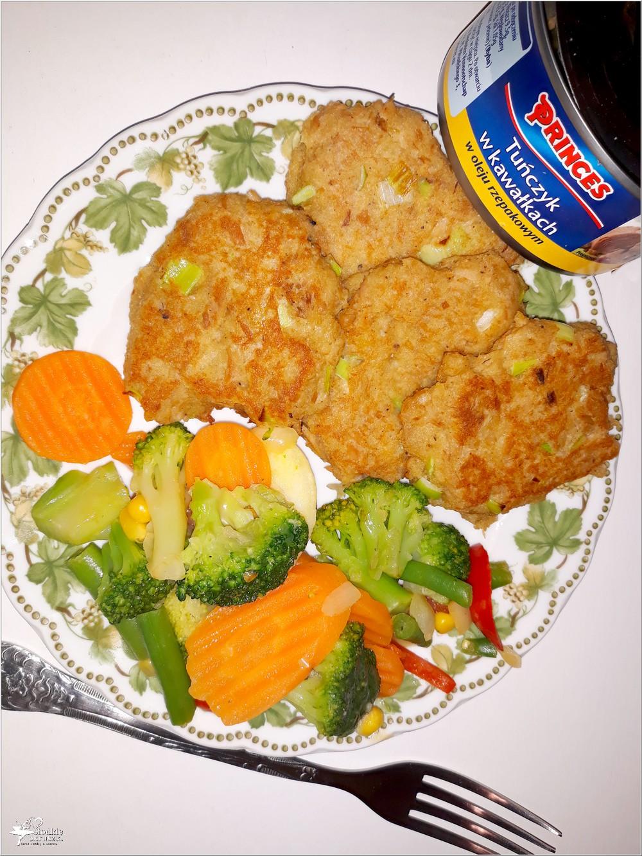 Kotleciki z tuńczyka z miksem warzyw (3)