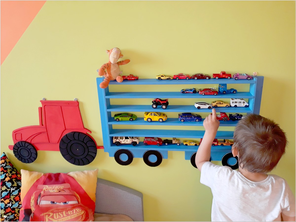 Wyjątkowa półka dla dzieci Półka na autka (1)