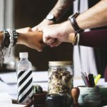 Imprezy integracyjne – czy warto tak motywować pracowników?