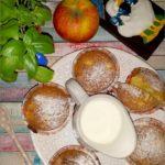 Waniliowe babeczki z jabłkami