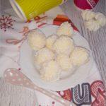 Domowe rafaello (przepis) I o tym jak zorganizować zimową imprezę?
