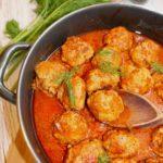 Pulpety w sosie pomidorowo-pieczarkowym