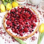 """Ciasto """"Owocowe marzenie"""" – biszkoptowe ciasto z owocowym kremem"""