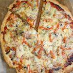 Pizza z wędzonym kurczakiem (na dużą blachę)