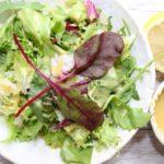 Najłatwiejsza sałatka do obiadu lub dań z grilla
