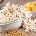 Popcorn w 3 wersjach – kuleczki z popcornu, popcorn z serem i wersja z czekoladą