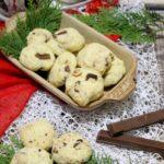 Budyniowe ciasteczka z orzechami i wafelkami