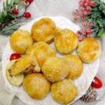 Mini bułeczki nadziewane  polędwicą i żółtym serem