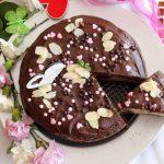 Ciasto czekoladowo-waniliowe z truskawkową pianką
