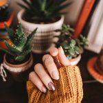 Jak dbać o skórę dłoni i paznokcie? Kilka porad