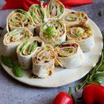 Roladki z tortilli z czerwonym pesto – znakomita przekąska!