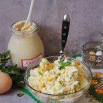 Wielkanocna sałatka z chrzanem i kukurydzą