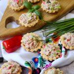 Kruche babeczki z pastą tuńczykowo-warzywną
