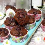 Babeczki brownie z wiśniami